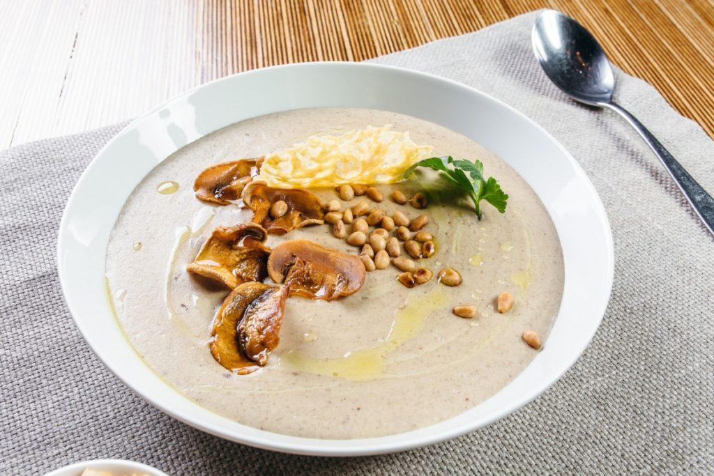 Суп-Пюре Из Шампиньонов с кедровыми орехами