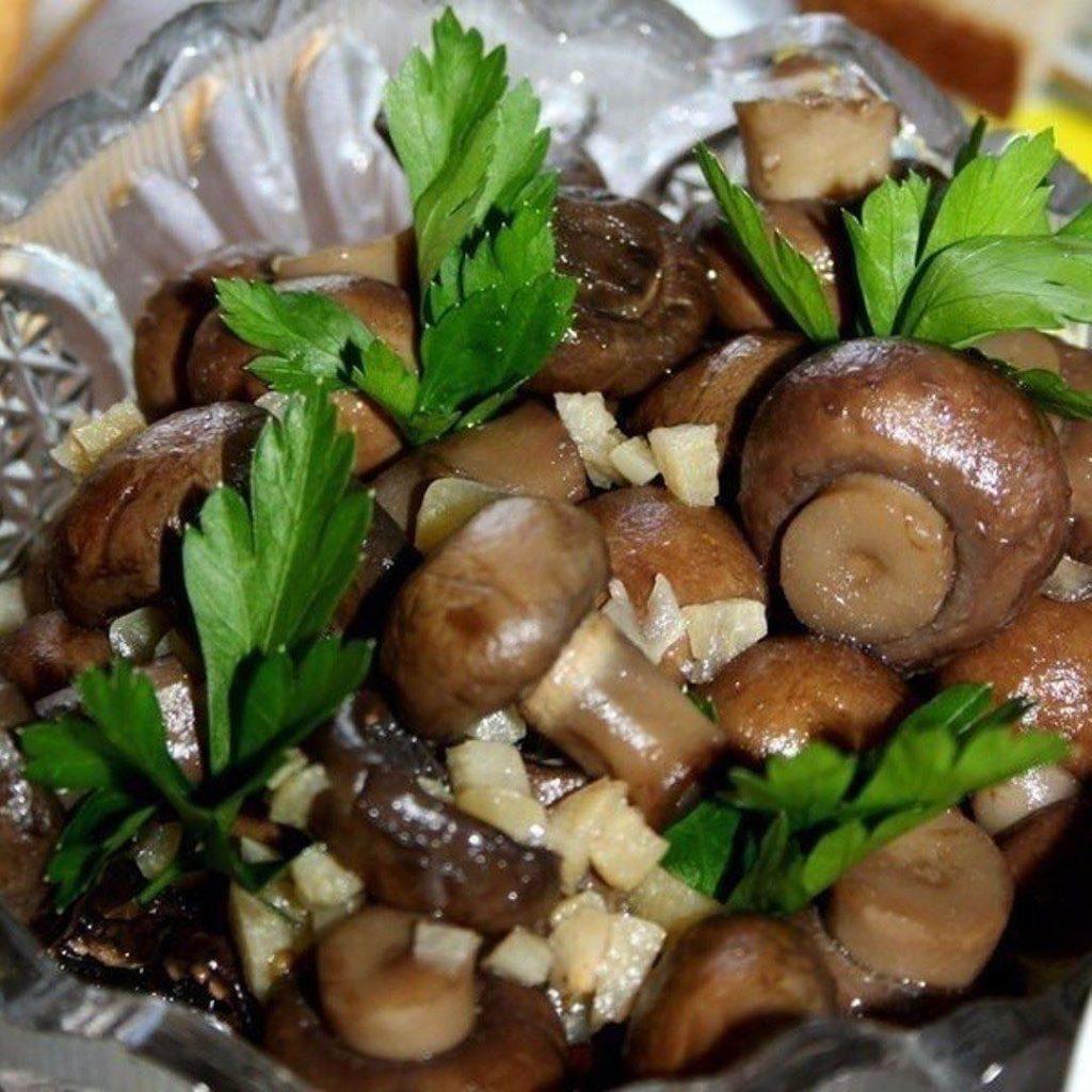 Второй способ соления шампиньонов с изюминкой – добавим горчичные семена