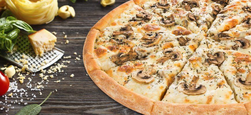 грибная пицца с шампиньонами