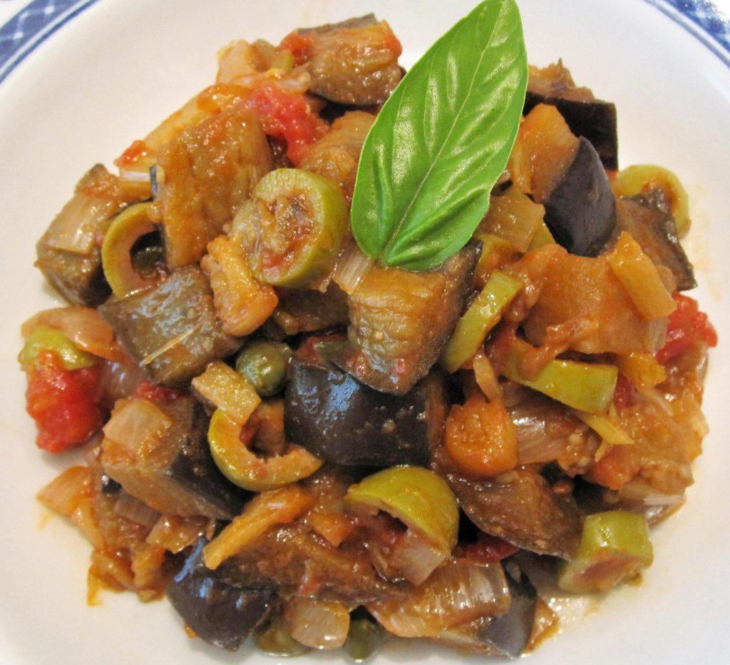 Овощное рагу с шампиньонами и баклажанами