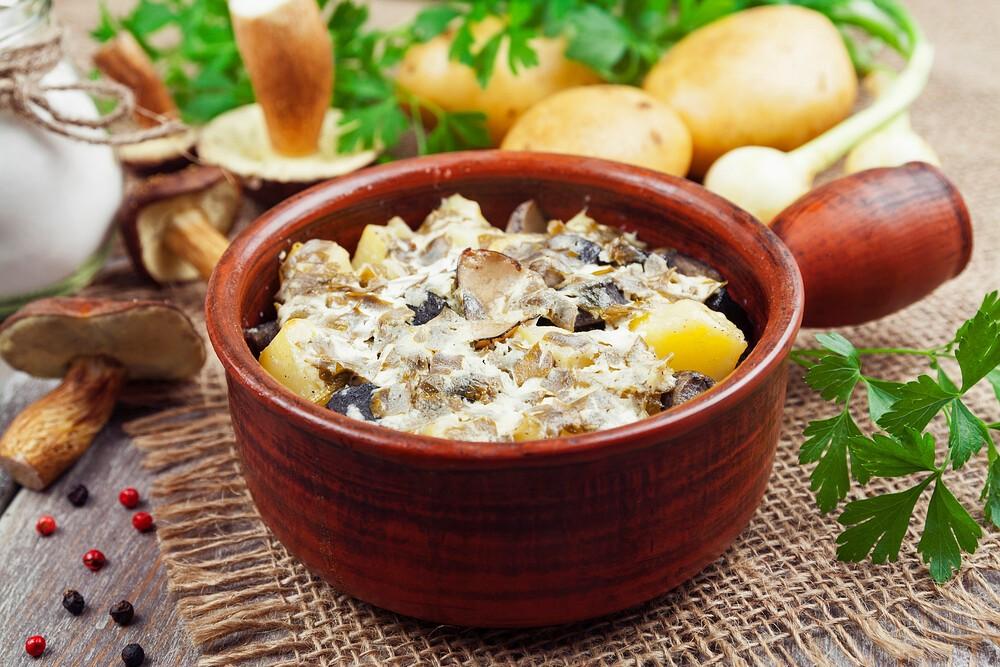 Как приготовить салат из жареных шампиньонов с ветчиной