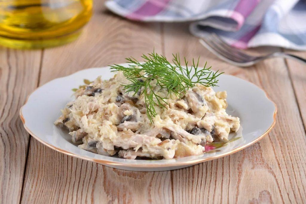 Как приготовить салат из жареных шампиньонов с фасолью