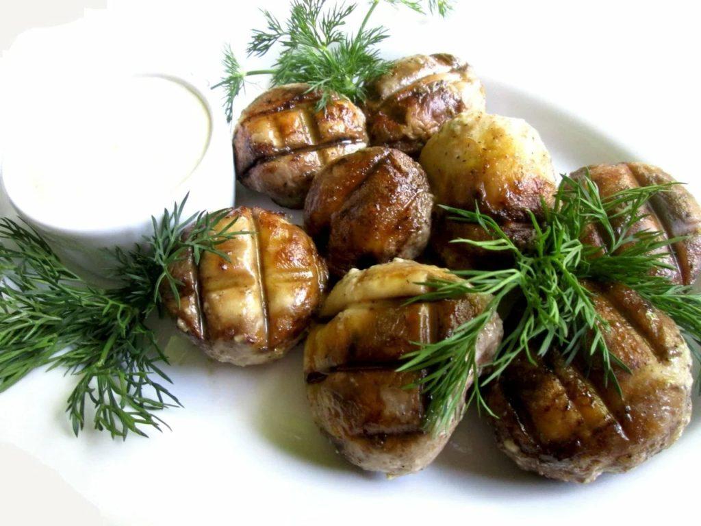 Шампиньоны на сковороде гриль - рецепт с фото