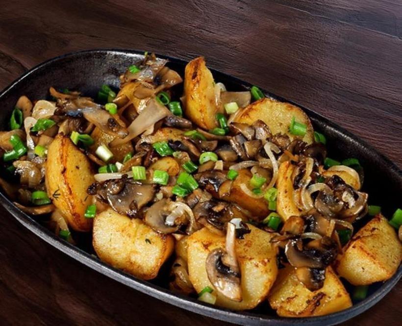 Как приготовить блюдо «жареная картошка с шампиньонами и луком»