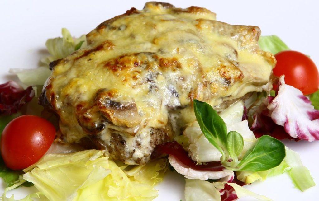 Мясо По-Французски с Шампиньонами